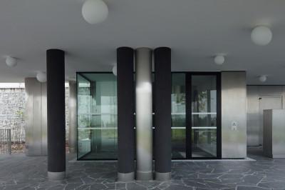 07 Saxe lobby