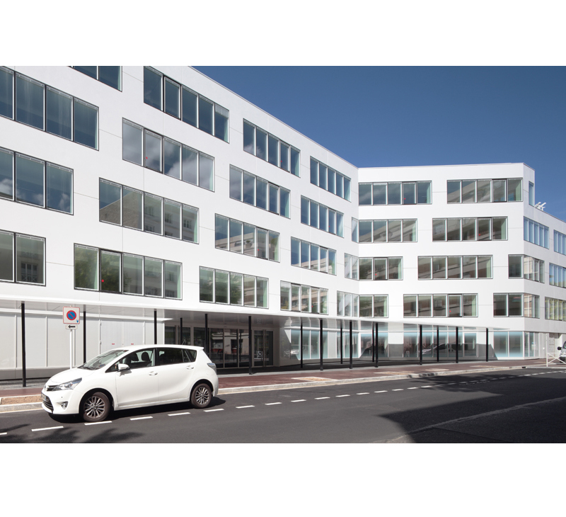 03-white-montrouge